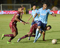 IBAGUE -COLOMBIA, 20 -08-2016. Acción de juego entre Tolima y  Junior durante encuentro  por la fecha 9 de la Liga Aguila II 2016 disputado en el estadio Murillo Toro./  Action game between  Tolima and Junior  during match for the date 9 of the Aguila League II 2016 played at Murilo Toro stadium . Photo:VizzorImage / Juan Carlos Escobar  / Contribuidor
