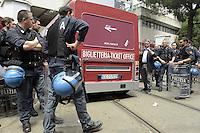 Roma, 25 Maggio 2012.Sede Atac di Via Prenestina.Manifestazione contro l'aumento del biglietto scattato oggi..La biglietteria atac mobile entra nel deposito passando tra la Polizia schierata davanti l'entrata