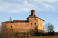 - ancient fortified farmhouse in the Langhe hills....- antica fattoria fortificata nelle colline delle Langhe