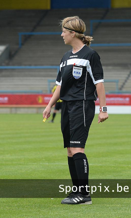 Bekerfinale vrouwen 2015 : Lierse-Club Brugge Vrouwen <br /> <br /> referee Virginie Derouaux<br /> <br /> foto VDB / BART VANDENBROUCKE