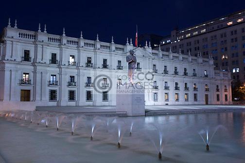 FOUNTAIN PALACIO DE LA MONEDA PRESIDENTIAL PALACE PLAZA DE LA CIUDADANIA SANTIAGO CHILE