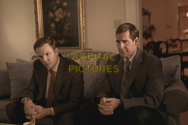 JOEL McHALE & SCOTT BAKULA .in The Informant!.*Filmstill - Editorial Use Only*.CAP/FB.Supplied by Capital Pictures.