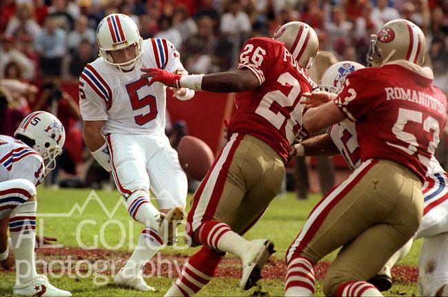 San Francisco 49ers vs New England Patriots at Stanford Stadium Sunday, October 22, 1989..49ers Beat Patriots 37-20.Patriots kicker Greg Davis (5)..