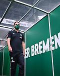 Trainer Florian Kohfeld (Werder Bremen) kommt vor dem Spiel aus dem Spielertunnel.<br /> <br /> Sport: Fussball: 1. Bundesliga:: nphgm001:  Saison 19/20: 34. Spieltag: SV Werder Bremen - 1. FC Koeln, 27.06.2020<br /> <br /> Foto: Marvin Ibo Güngör/GES/Pool/via gumzmedia/nordphoto