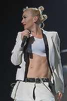 07/28/09 Universal City, CA: Gwen Stefani and No Doubt perform at the Gibson Amphitheatre