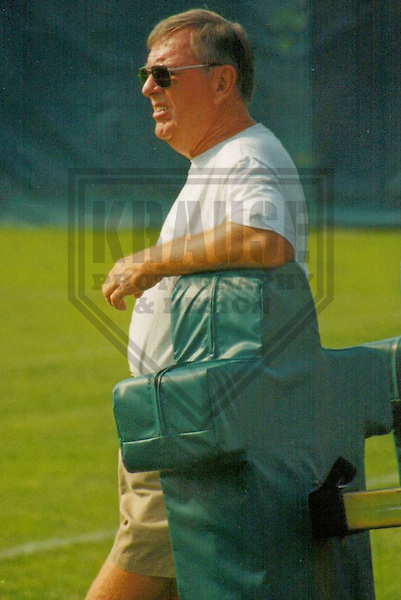 GREEN BAY - AUGUST 1998: Ron Wolf of the Green Bay Packers during a Training Camp practice in August 1998 in Green Bay, Wisconsin. (Photo by Brad Krause)