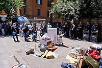 Roma 7 Maggio 2015<br /> Sgomberato questa mattina dalle forze dell'ordine lo spazio sociale occupato SCUP,le ruspe hanno abbattuto porte e finestre e reso inagibile  la palestra, la ludoteca, la biblioteca, e la scuola popolare di musica. L'edificio era occupato da tre anni. Oggetti, libri, attrezzi da palestra, computer in strada.<br /> Rome May 7, 2015<br /> Vacated  this morning by police,  the social  space occupied SCUP, the bulldozers have knocked down doors and windows and rendered unusable gym, game room, library, popular school of music. The building was occupied by three years. Toys, books, fitness equipment, computer, in  street.