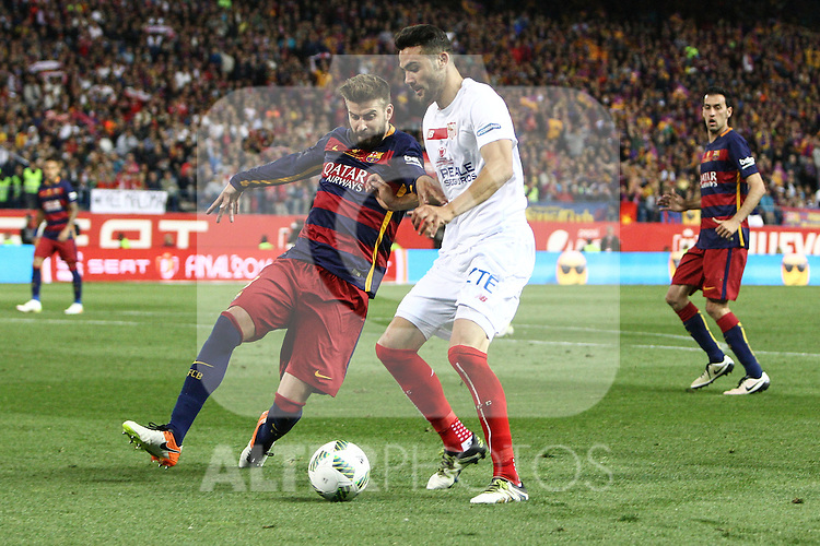 FC Barcelona's Gerard Pique  (L) and Sevilla CF's  Iborra (R during Spanish Kings Cup Final match. May 22,2016. (ALTERPHOTOS/Rodrigo Jimenez)