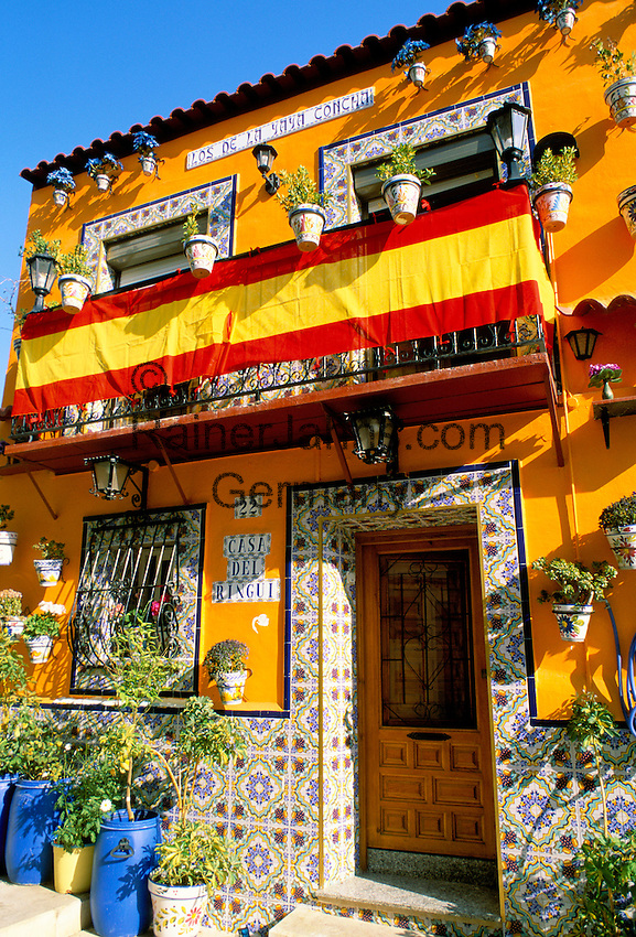 Spain, Costa Blanca, Alicante: Colourful Houses | Spanien, Costa Blanca, Alicante: bunte Hausfassaden