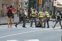 SAO PAULO, SP, 07.09.2013 - PROTESTO SAO PAULO DIA DA INDEPENDENCIA - Manifestantes protestam na Avenida Paulista, região central de São Paulo, neste sábado, dia da Independência do Brasil. (Foto: Mauricio Camargo / Brazil Photo Press).