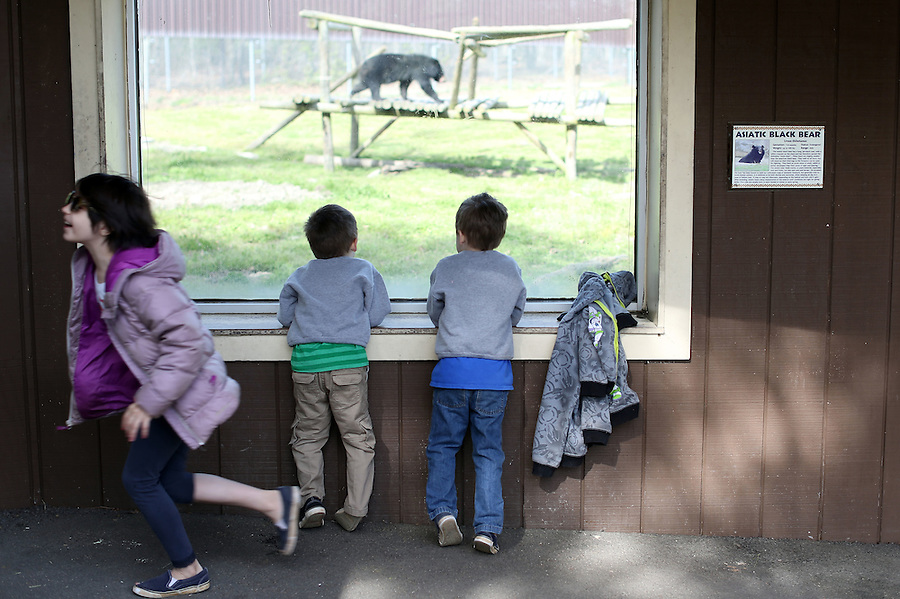 The Shurtleff family takes a trip to the Richmond Zoo on April 8, 2016 in Richmond, Va. Photo/Andrew Shurtleff