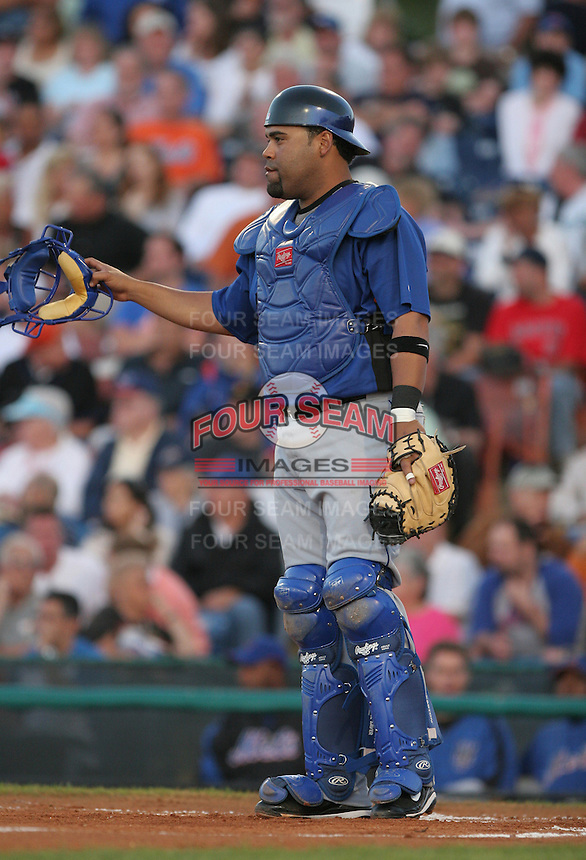 Ramon Castro of the New York Mets vs the Los Angeles Dodgers March 21st, 2007 at Holman Stadium in Vero Beach, FL during Spring Training action.  Photo By Mike Janes/Four Seam Images