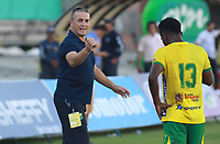 NEIVA - COLOMBIA, 18-11-2017: Pablo Bidde técnico de Atlético Huila gesticula durante partido con Tigres FC por la fecha 20 de la Liga Águila II 2017 jugado en el estadio Guillermo Plazas Alcid de la ciudad de Neiva. / Pablo Bidde coach of Atletico Huila gestures during match against Tigres FC for the date 20 of the Aguila League II 2017 played at Guillermo Plazas Alcid in Neiva city. VizzorImage / Sergio Reyes / Cont