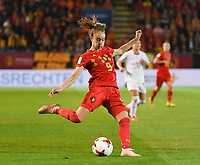 20181005 - LEUVEN , BELGIUM : Belgian Tessa Wullaert pictured during the female soccer game between the Belgian Red Flames and Switzerland , the first leg in the semi finals play offs for qualification for the World Championship in France 2019, Friday 5 th october 2018 at OHL Stadion Den Dreef in Leuven , Belgium. PHOTO SPORTPIX.BE | DIRK VUYLSTEKE