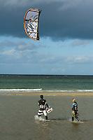 Kitesurfen bei Dänisch Nienhof, Schleswig-Holstein, Deutschland