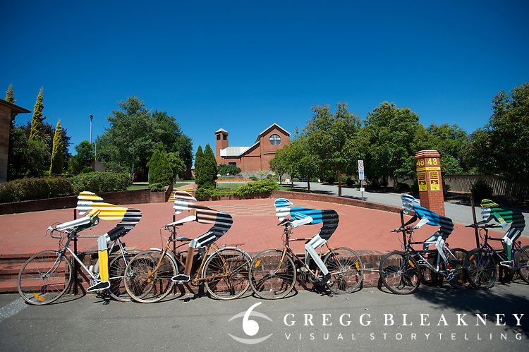 """Towns compete for """"best dressed"""" award - 2012 Santos Tour Down Under - Adelaide"""