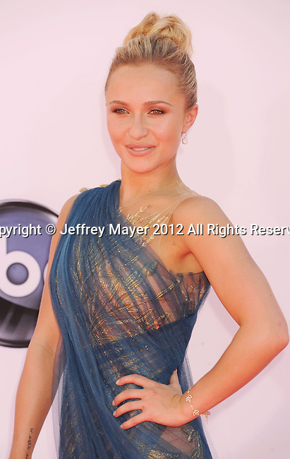 LOS ANGELES, CA - SEPTEMBER 23: Hayden Panettiere arrives at the 64th Primetime Emmy Awards at Nokia Theatre L.A. Live on September 23, 2012 in Los Angeles, California.