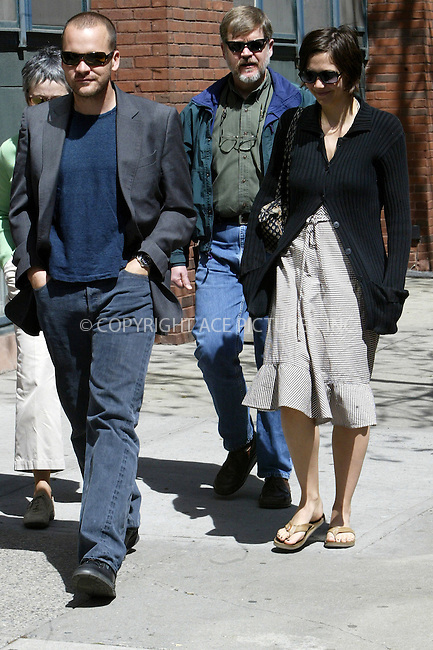 WWW.ACEPIXS.COM . . . . .***EXCLUSIVE!!! FEE MUST BE NEGOTIATED BEFORE USE!!!***....NEW YORK, APRIL 21, 2005....Maggie Gyllenhaal and beau Peter Saarsgard shop for furniture in the West Village.....Please byline: Ian Wingfield - ACE PICTURES..... *** ***..Ace Pictures, Inc:  ..Craig Ashby (212) 243-8787..e-mail: picturedesk@acepixs.com..web: http://www.acepixs.com