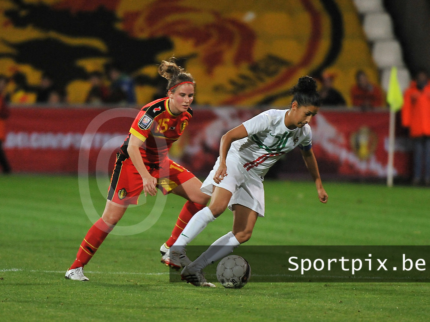 20131031 - ANTWERPEN , BELGIUM : Portugese Claudia Neto (right) pictured during the female soccer match between Belgium and Portugal , on the fourth matchday in group 5 of the UEFA qualifying round to the FIFA Women World Cup in Canada 2015 at Het Kiel stadium , Antwerp . Thursday 31st October 2013. PHOTO DAVID CATRY