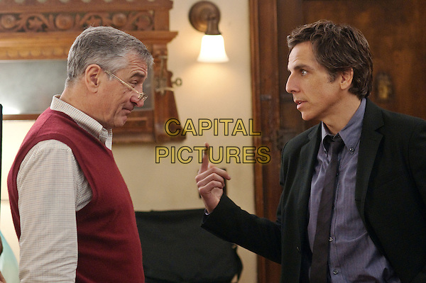 ROBERT DE NIRO & BEN STILLER.in Little Fockers .*Filmstill - Editorial Use Only*.CAP/FB.Supplied by Capital Pictures.