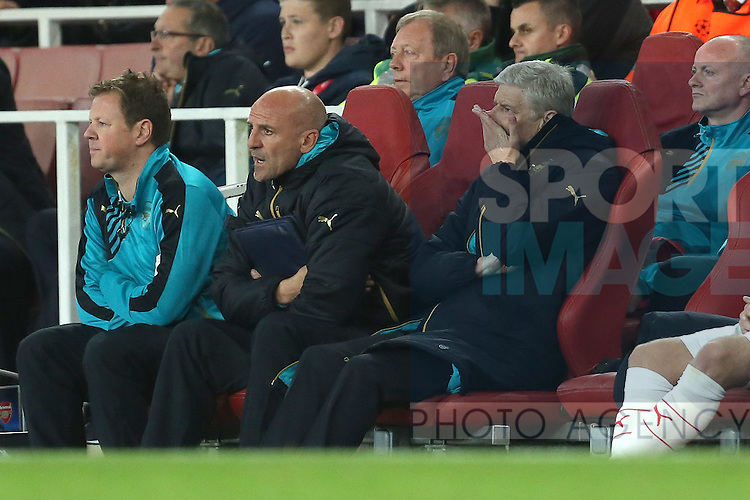 Arsenal's manager, Arsene Wenger dejected in the dug out - Arsenal vs Olympiacos - UEFA Champion's  League - Emirates Stadium - London - 29/09/2015 Pic Philip Oldham/SportImage