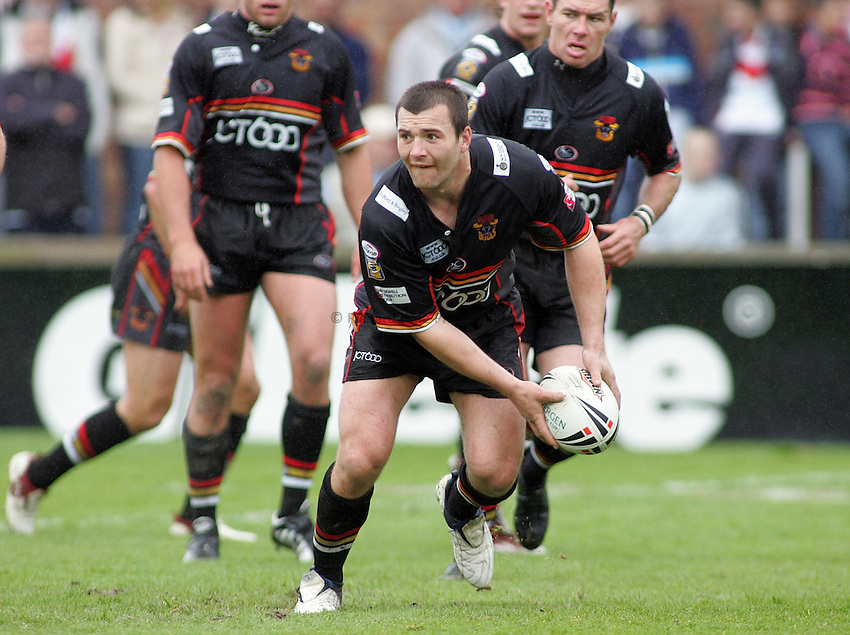 Photo: Paul Thomas..St Helens v Bradford Bulls. Powergen Challenge Cup. 20/05/2006..Iestyn Harris of Bradford.