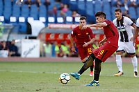 Calcio, Serie A: Roma vs Udinese. Roma, stadio Olimpico, 23 settembre 2017.<br /> Roma&rsquo;s Diego Perotti fails to score on a penalty kick during the Italian Serie A football match between Roma and Udinese at Rome's Olympic stadium, 23 September 2017. Roma won 3-1.<br /> UPDATE IMAGES PRESS/Riccardo De Luca