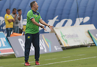 NEIVA - COLOMBIA, 08-03-2020: Flabio Robatto técnico de Huila gesticula durante partido por la fecha 6 del Torneo BetPlay DIMAYOR I 2020 entre Atlético Huila y Cortuluá jugado en el estadio Guillermo Plazas Alcid de la ciudad de Neiva. / Flabio Robatto coach of Huila gestures during match for the date 6 as part of BetPlay DIMAYOR Tournament I 2020 between Atletico Huila and Cortulua played at the Guillermo Plazas Alcid stadium of Neiva city. VizzorImage / Sergio Reyes / Cont