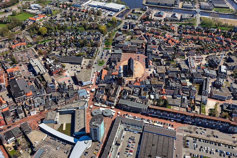 Nederland, Groningen, Gemeente Oldambt,  01-05-2013; centrum Winschoten met linksonder winkelcentrum 't Rond aan Vissersdijk en Israelplein, midden Marktplein met Grote Kerk (Marktpleinkerk), de toren 'Olle Witte'.<br /> Small provincial town, marketplace, regional centre (northeast Holland).<br /> luchtfoto (toeslag op standard tarieven);<br /> aerial photo (additional fee required);<br /> copyright foto/photo Siebe Swart