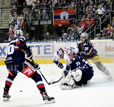 March 31-17,Mercedes-Benz-Arena,Berlin,Germany<br /> DEL Ice-Hockey ,German ice-hockey<br /> Playoff game number 4<br /> Eisbaeren Berlin vs EHC Red Bull M&Uuml;NCHEN