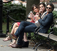 July 18, 2012 Keira Knightley, Hailee Steinfeld and Mark Ruffalo shooting on location for the new VH-1 movie Can a Song Save Your Life? in New York City. © RW/MediaPunch Inc. /*NORTEPHOTO.COM* **CREDITO*OBLIGATORIO** *No*Venta*A*Terceros*.*No*Sale*So*third* ***No*Se*Permite*Hacer Archivo***No*Sale*So*third*©Imagenes*