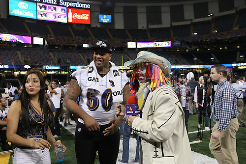20.01.2013. New Orleans, USA. Baltimore Ravens  Antoine McClain (60) is interviewed  by  Jose Maraue Zamora during Media Day at Mercedes-Benz Superdome in New Orleans, LA.