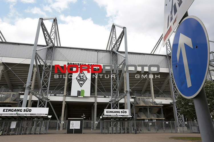 Geisterspiel, Aussenansicht Borussia Park in Moenchengladbach<br />
