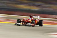 SINGAPURA, SINGAPURA, 21 SETEMBRO 2012 - FORMULA 1 - GP DE SINGAPURA - O piloto espanhol Fernando Alonso da equipe Ferrari durante treino livre nesta sexta-feira, 21, para o GP de Singapura que acontecera no proximo domingo. (FOTO: PIXATHLON / BRAZIL PHOTO PRESS).