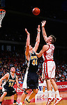 University of Wisconsin forward (50) Mark Vershaw during the University of Milwuakee game at the Kohl Center on 12/16/00 in Madison, WI.  The Badgers beat Milwaukee 55-47. (Photo by David Stluka)