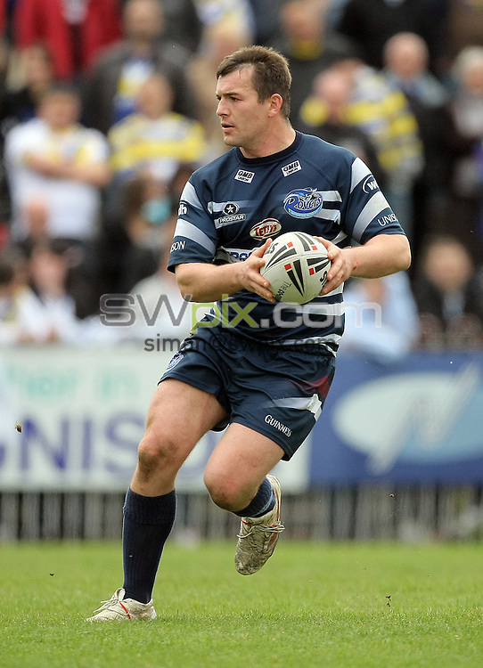 PICTURE BY VAUGHN RIDLEY/SWPIX.COM - Rugby League - Carnegie Challenge Cup - Featherstone v Warrington - Chris Moyles Stadium, Featherstone, England  - 10/05/09...Copyright - Simon Wilkinson - 07811267706...Featherstone's Iestyn Harris.