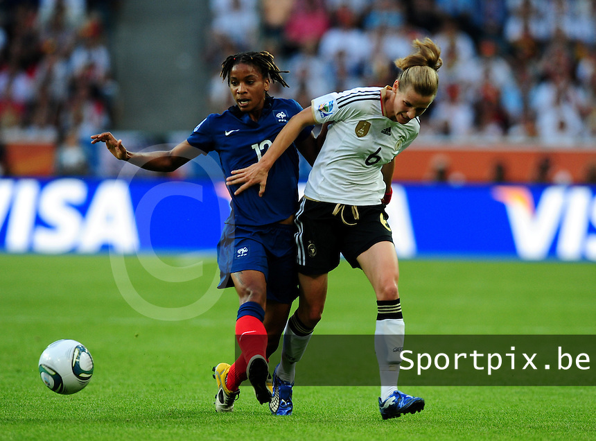 Fifa Women's World Cup Germany 2011 : France - Germany ( Frankrijk - Duitsland ) at Munchengladbach World Cup stadium : duel tussen Elodie THOMIS en Simone LAUDEHR.foto DAVID CATRY / Vrouwenteam.be