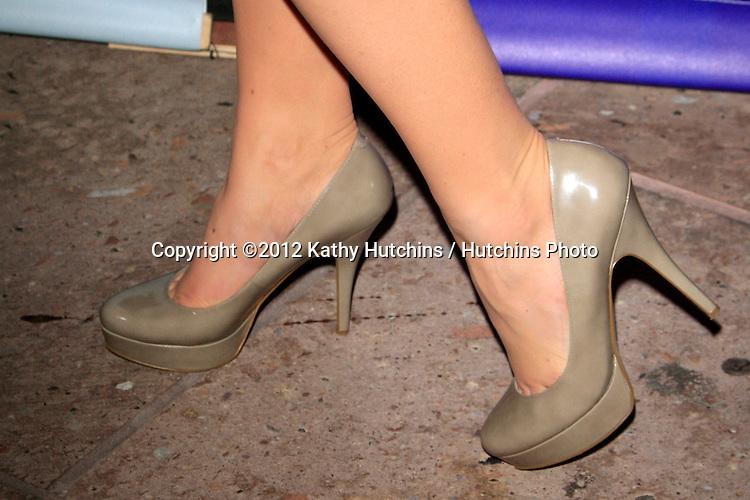 PASADENA - APR 18:  Megan Hilty arrives at the NBCUniversal Summer Press Day at The Langham Huntington Hotel on April 18, 2012 in Pasadena, CA