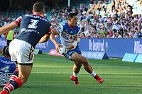 Roger Tuivasa-Sheck looks to pass. Sydney Roosters v Vodafone Warriors, NRL Rugby League. Allianz Stadium, Sydney, Australia. 31st March 2018. Copyright Photo: David Neilson / www.photosport.nz