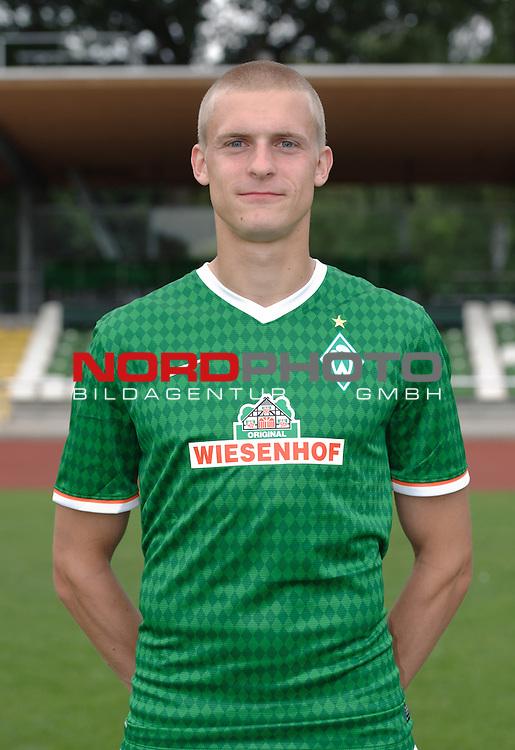 19.07.2013, Platz 11, Bremen, GER, RLN, Mannschaftsfoto Werder Bremen II, im Bild Oliver H&uuml;sing / Huesing (Bremen #4)<br /> <br /> Foto &copy; nph / Frisch