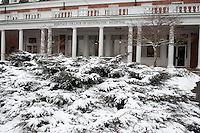 121221_Snow_Grosvenor