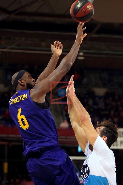 League ACB-ENDESA 2018/2019. Game: 14.<br /> FC Barcelona Lassa vs Monbus Obradoiro: 79-73.<br /> Chris Singleton vs Nacho Llovet.