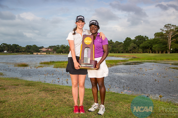 15 May 2015: Members of the Williams College women's golf team pose with the National Championship trophy following their win at the Division III Women's Golf Championship at the Mission Inn Resort in Howey-in-the-Hills, FL. Williams College won the team championship with a score of +111 and McKenzie Ralston of Mary Hardin-Baylor took individual honors with a score of +13. Matt Marriott / NCAA Photos