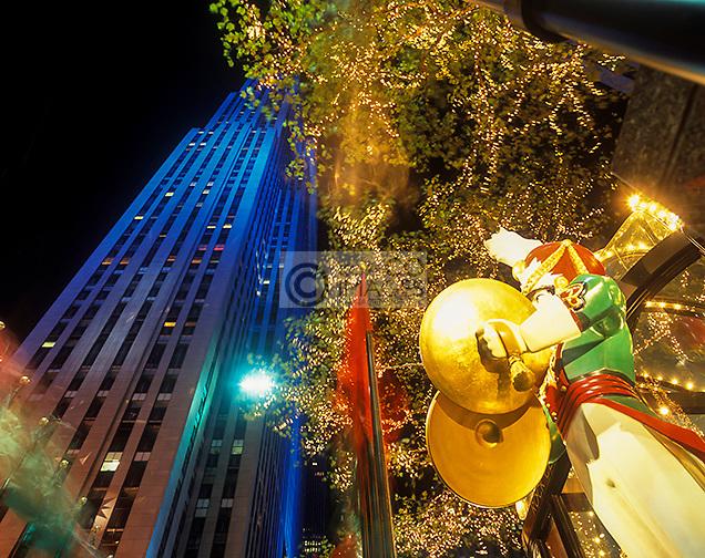 CHRISTMAS  ROCKEFELLER CENTER  MANHATTAN NEW YORK CITY  USA