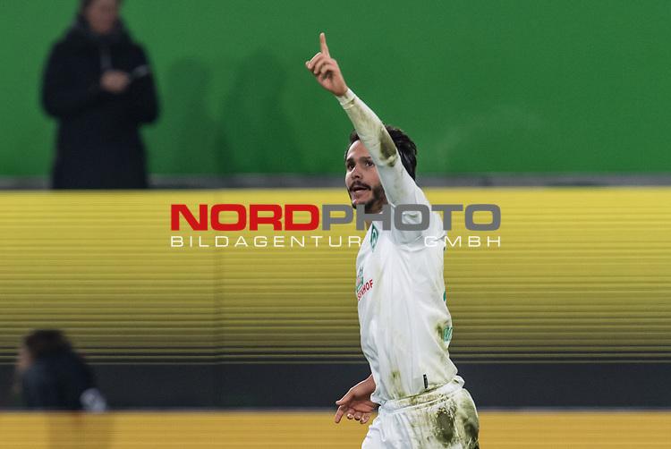 01.12.2019, Volkswagen Arena, Wolfsburg, GER, 1.FBL, VfL Wolfsburg vs SV Werder Bremen<br /> <br /> DFL REGULATIONS PROHIBIT ANY USE OF PHOTOGRAPHS AS IMAGE SEQUENCES AND/OR QUASI-VIDEO.<br /> <br /> im Bild / picture shows<br /> Jubel 1:2, <br /> Leonardo Bittencourt (Werder Bremen #10) bejubelt seinen Treffer zum 1:2, <br /> <br /> Foto © nordphoto / Ewert