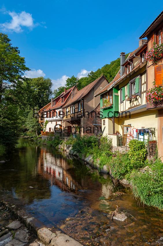 France, Alsace, Haut-Rhin, Kaysersberg: old town, native town of Dr. Albert Schweitzer   Frankreich, Elsass, Haut-Rhin, Kaysersberg: Altstadt, Geburtsort von Dr. Albert Schweitzer