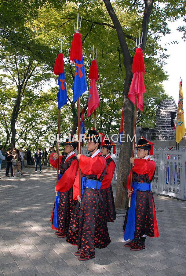 Troca de guarda em Namsan Park. Coréia do Sul. 2009. Foto de Thaïs Falcão.