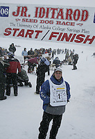 Saturday February 25, 2006 Willow, Alaska.   Honorary musher Patrick Henry at the start  of the Junior Iditarod sled dog race.  Willow Lake.