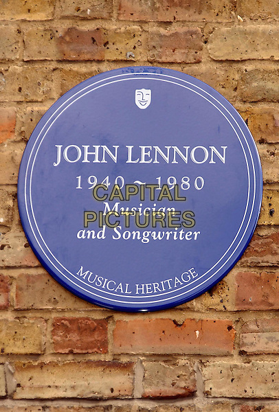 Unveiling of memorial plaque to John Lennon,in Baker Street erected by Musical Heritage..www.capitalpictures.com.sales@capitalpictures.com.©Capital Pictures
