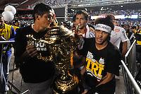 SÃO PAULO, SP, 13 DE MAIO DE 2012 - FINAL DO CAMPEONATO PAULISTA - SANTOS x GUARANI:  Neymar comemora conquista do Campeonato Paulista de 2012 após Santos x Guarani, segunda partida da final do Campeonato Paulista no Estádio do Morumbi. FOTO: LEVI BIANCO - BRAZIL PHOTO PRESS
